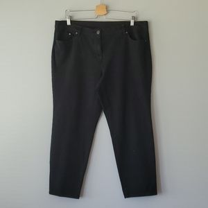 So Slimming by Chicos Black Capri Jeans 16
